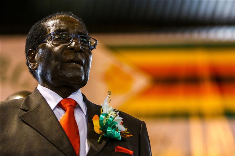OMS recua na nomeação de Mugabe para pôr fim a polémica