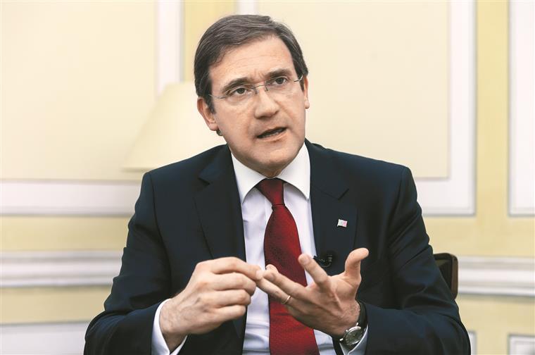 Montenegro chega-se à frente e pondera candidatar-se — PSD