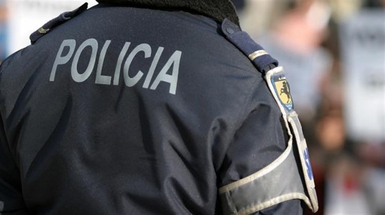 Vídeo mostra polícia a ser agredido em Lisboa [vídeo]