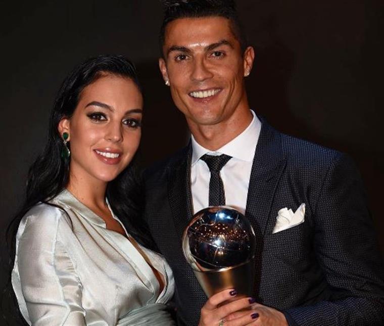 Alana Martina já nasceu e Cristiano Ronaldo mostra a filha