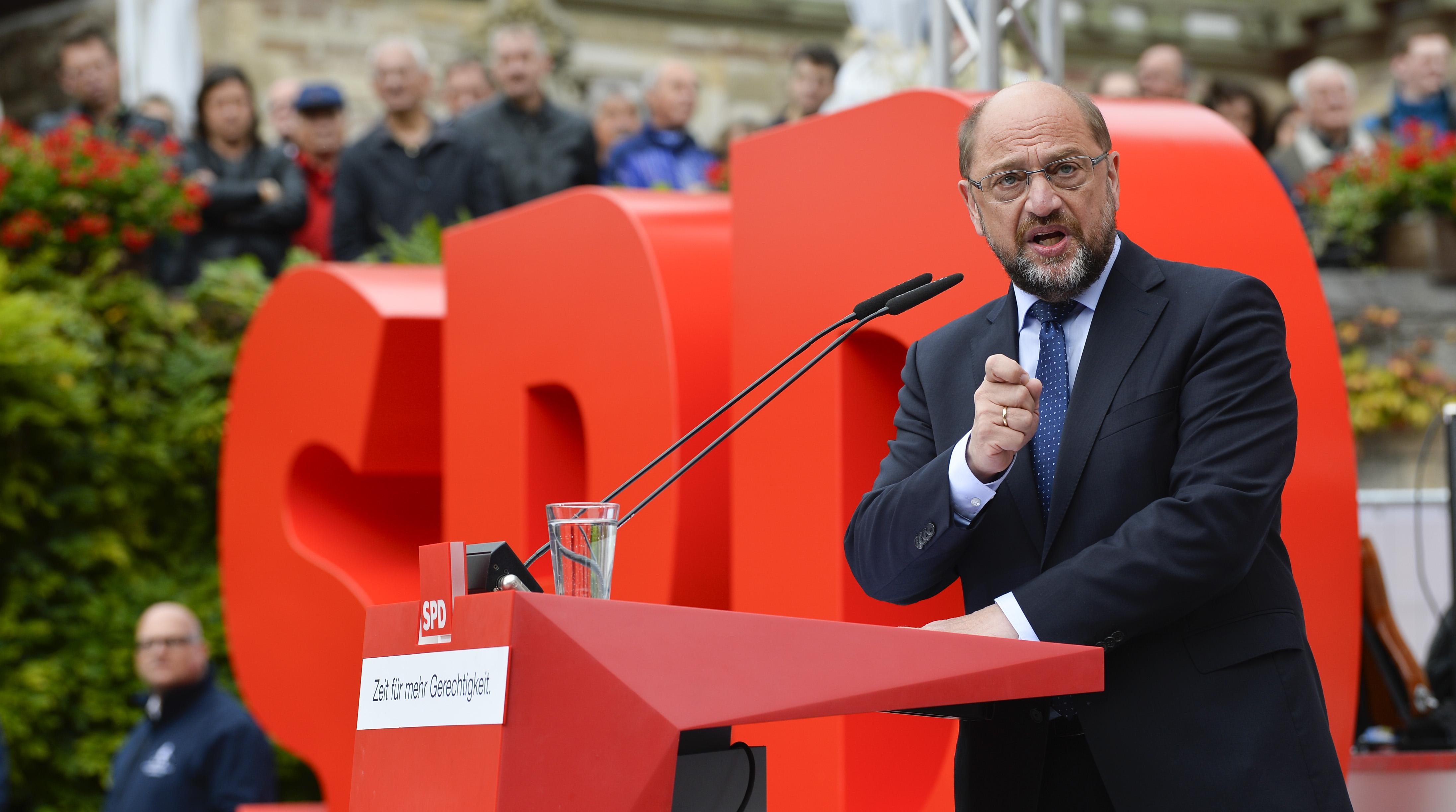 Merkel rejeita formar governo de minoria
