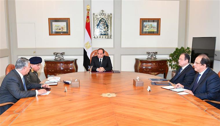 Reunião de emergência no Cairo com o el-Sisi