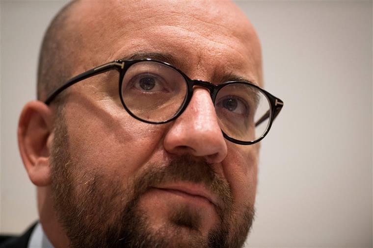 O primeiro-ministro belga, Charles Michel, justifica o acolhimento dos catalães com a violência de outubro