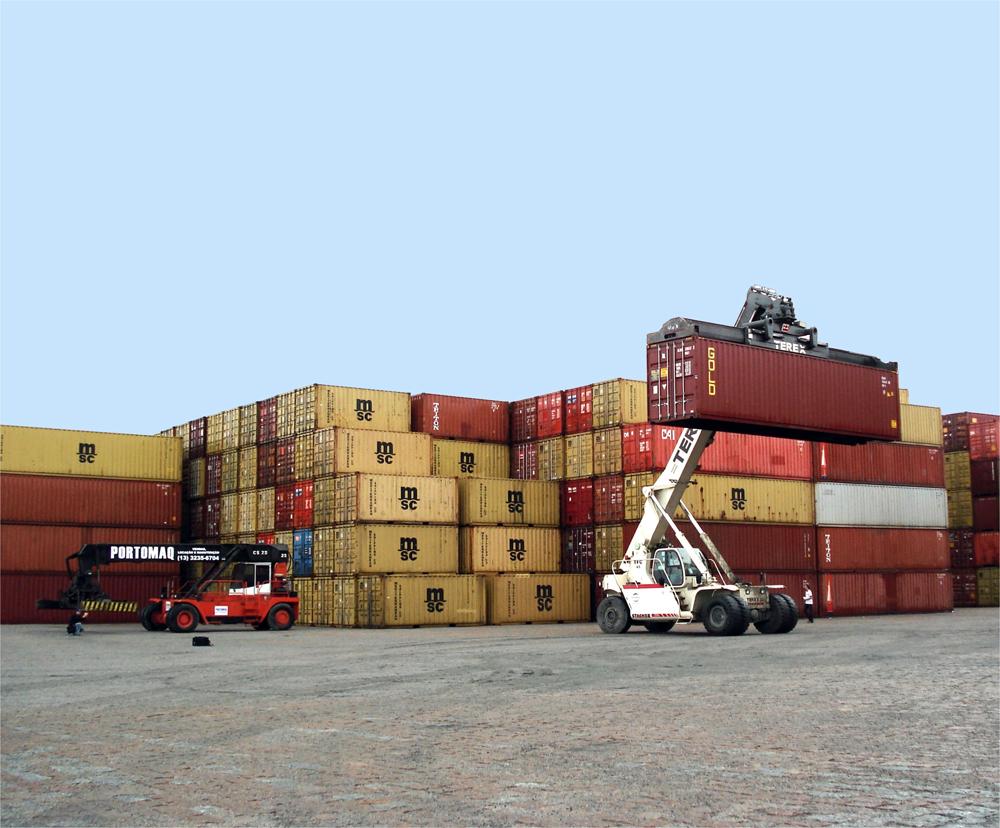 Exportações ainda crescem, mas mais devagar e défice aumenta