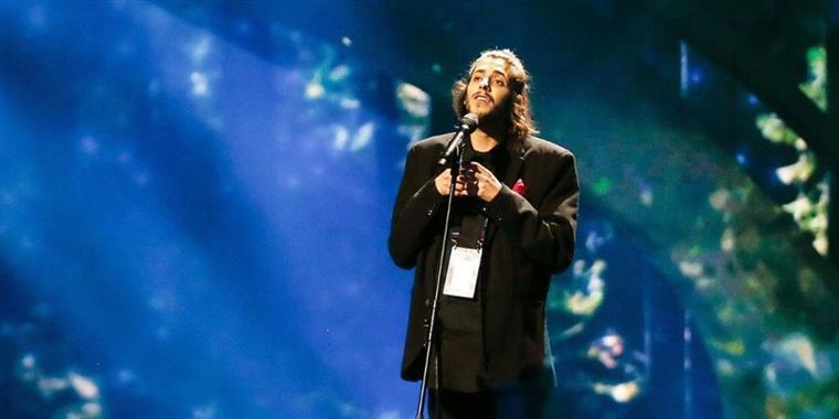 Salvador Sobral lança novo trabalho discográfico