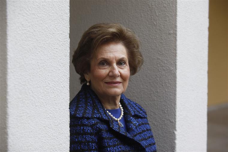 Maria Cavaco Silva: 'Faz imensa falta uma primeira-dama em Belém'