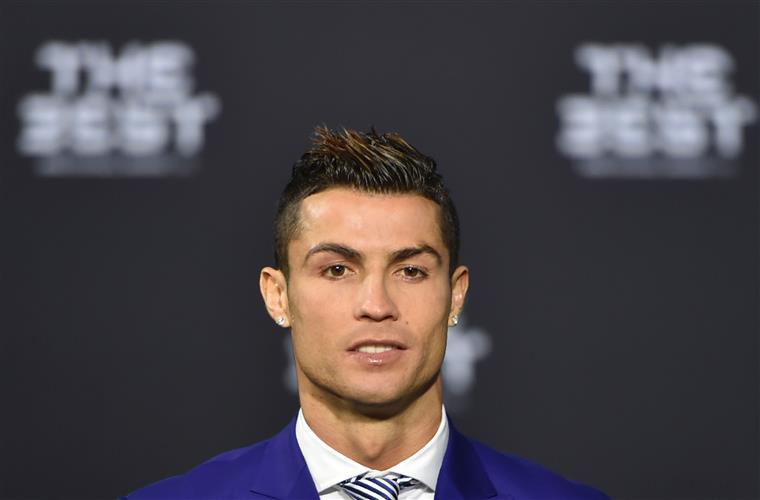 Assessores de Ronaldo desmentem: jogador não vai construir hospital pediátrico