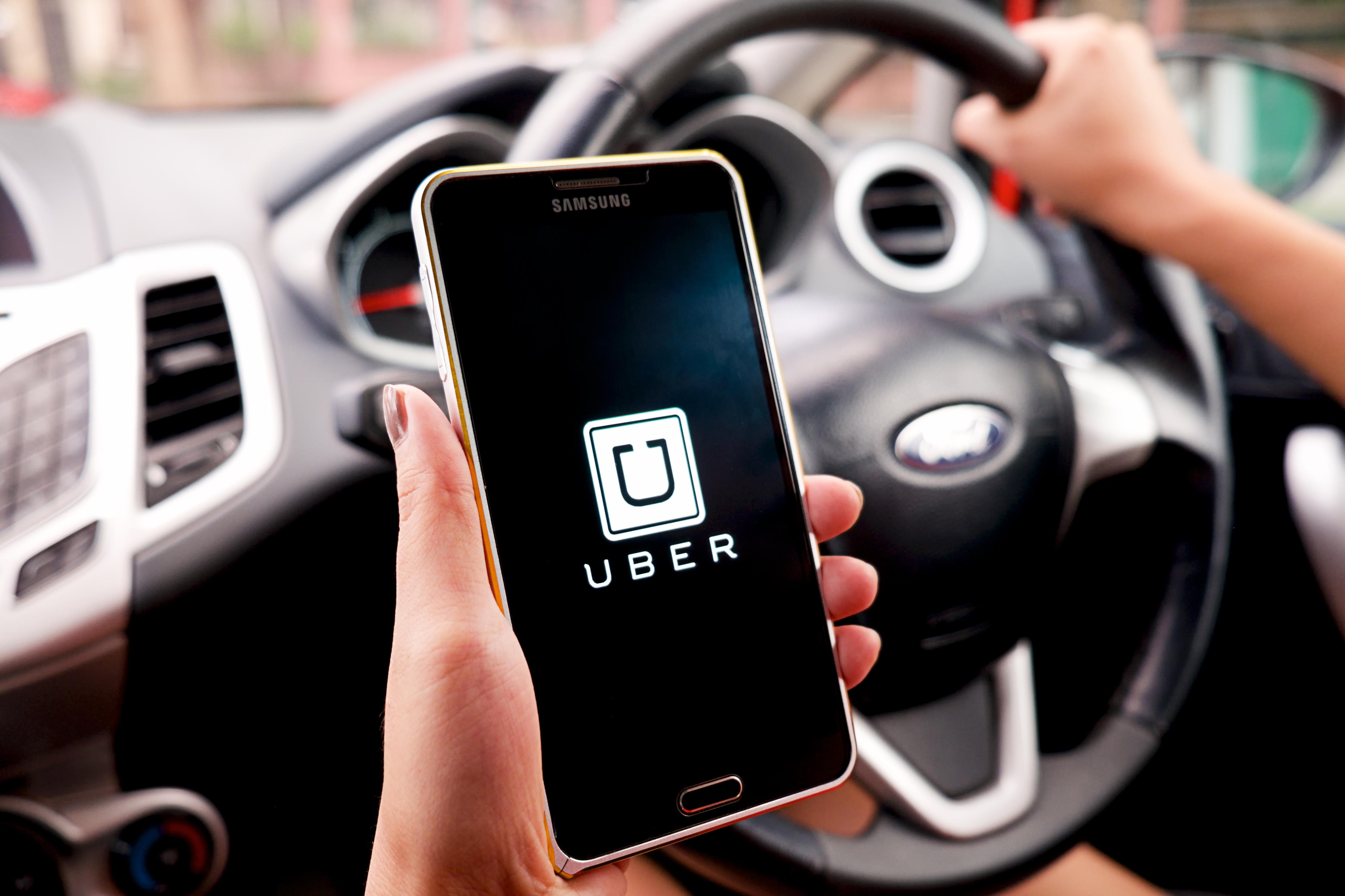 Justiça europeia classifica Uber como serviço de transporte