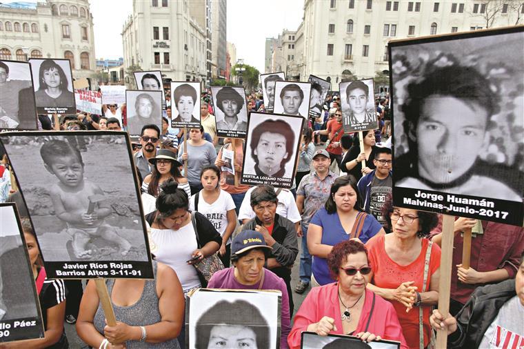 Na Plaza San Martín, em Lima, juntaram-se mais de 5 mil pessoas