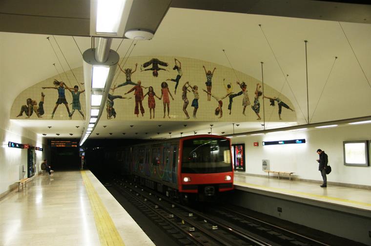 Metropolitano de Lisboa vai funcionar toda a noite na passagem de ano