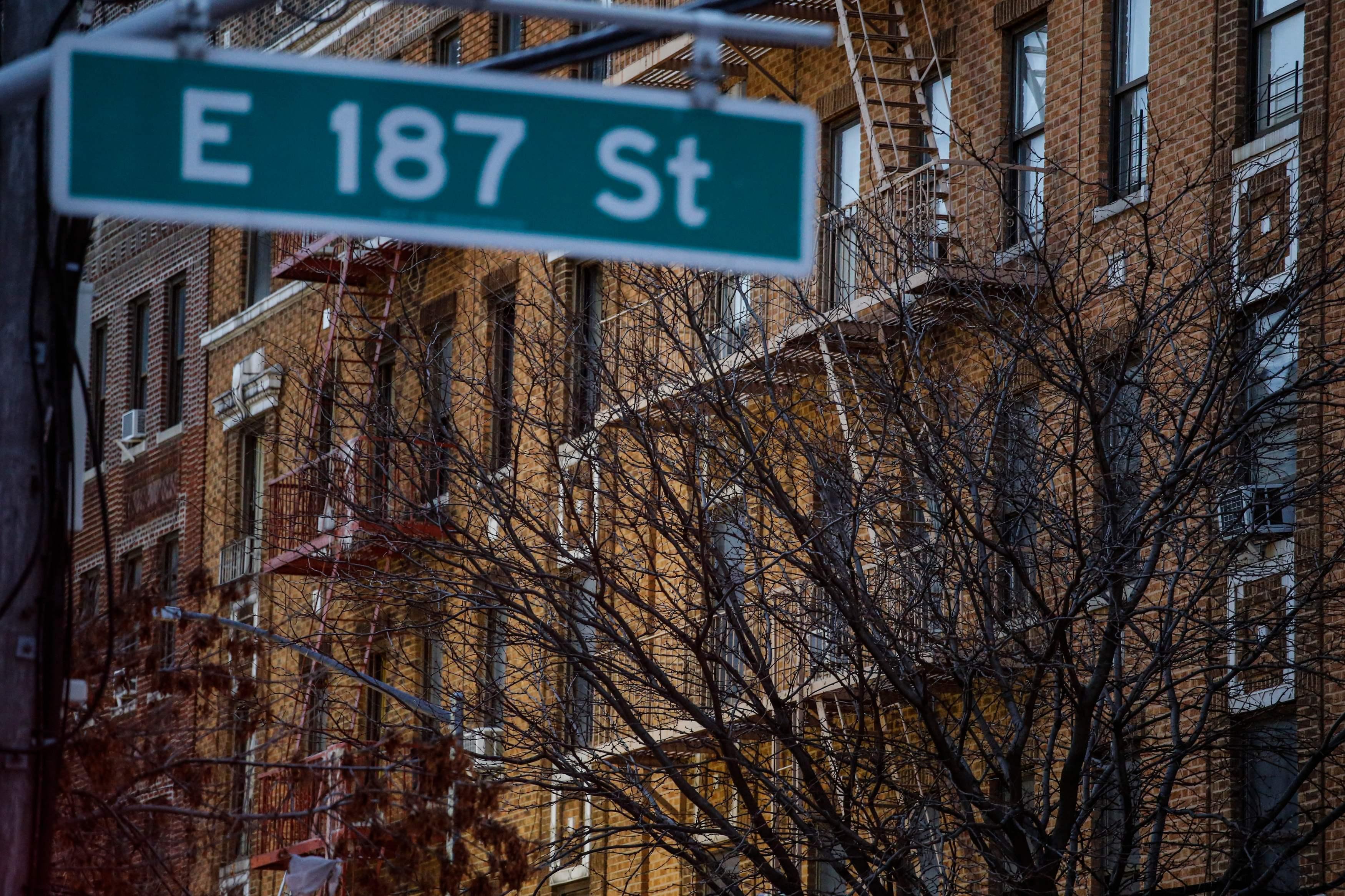 Doze mortos em incêndio em prédio de Nova Iorque