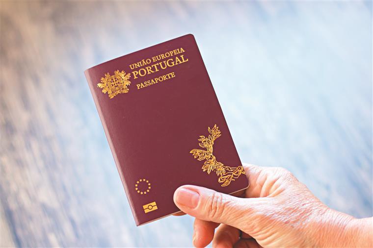 Resultado de imagem para passaporte português