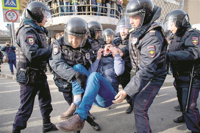 Um dos 1030 detidos em Moscovo
