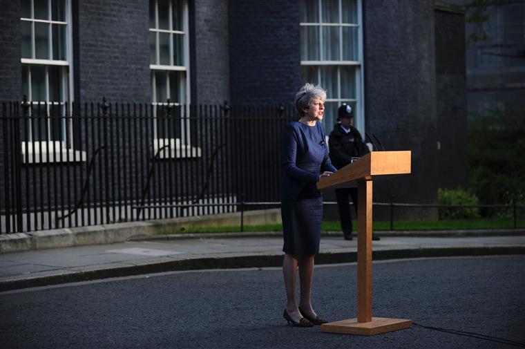 May surpreendeu ontem os britânicos com o anúncio de novas eleições