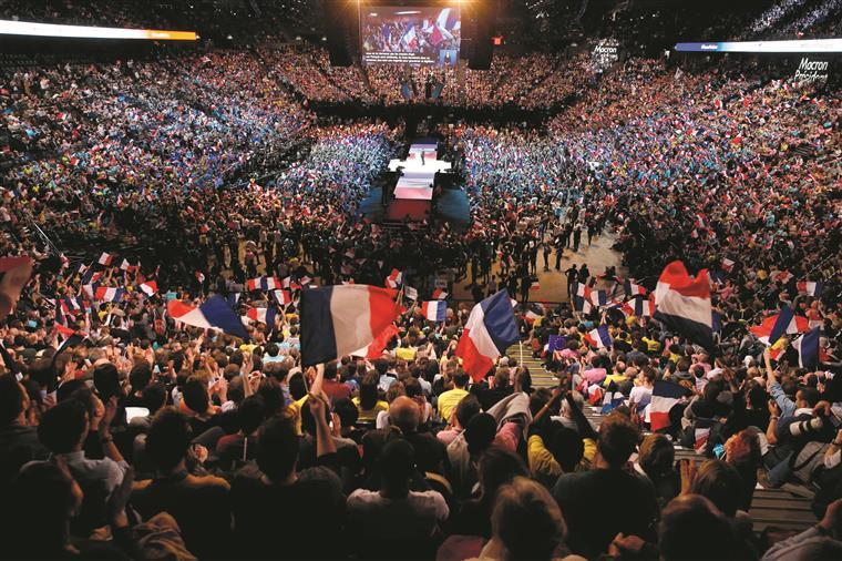 Candidatura de Macron ganhou destaque após o escândalo que atingiu Fillon. Hoje, é um dos favoritos à segunda volta