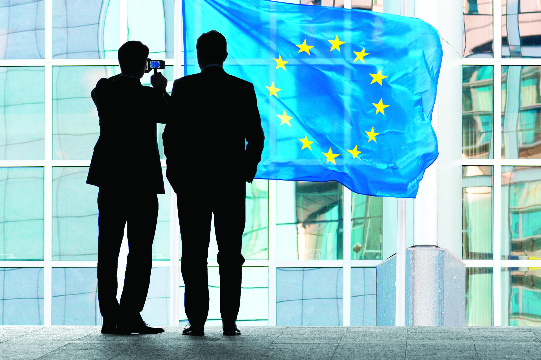 Bruxelas divulga previsões económicas antes de decisões sobre défice