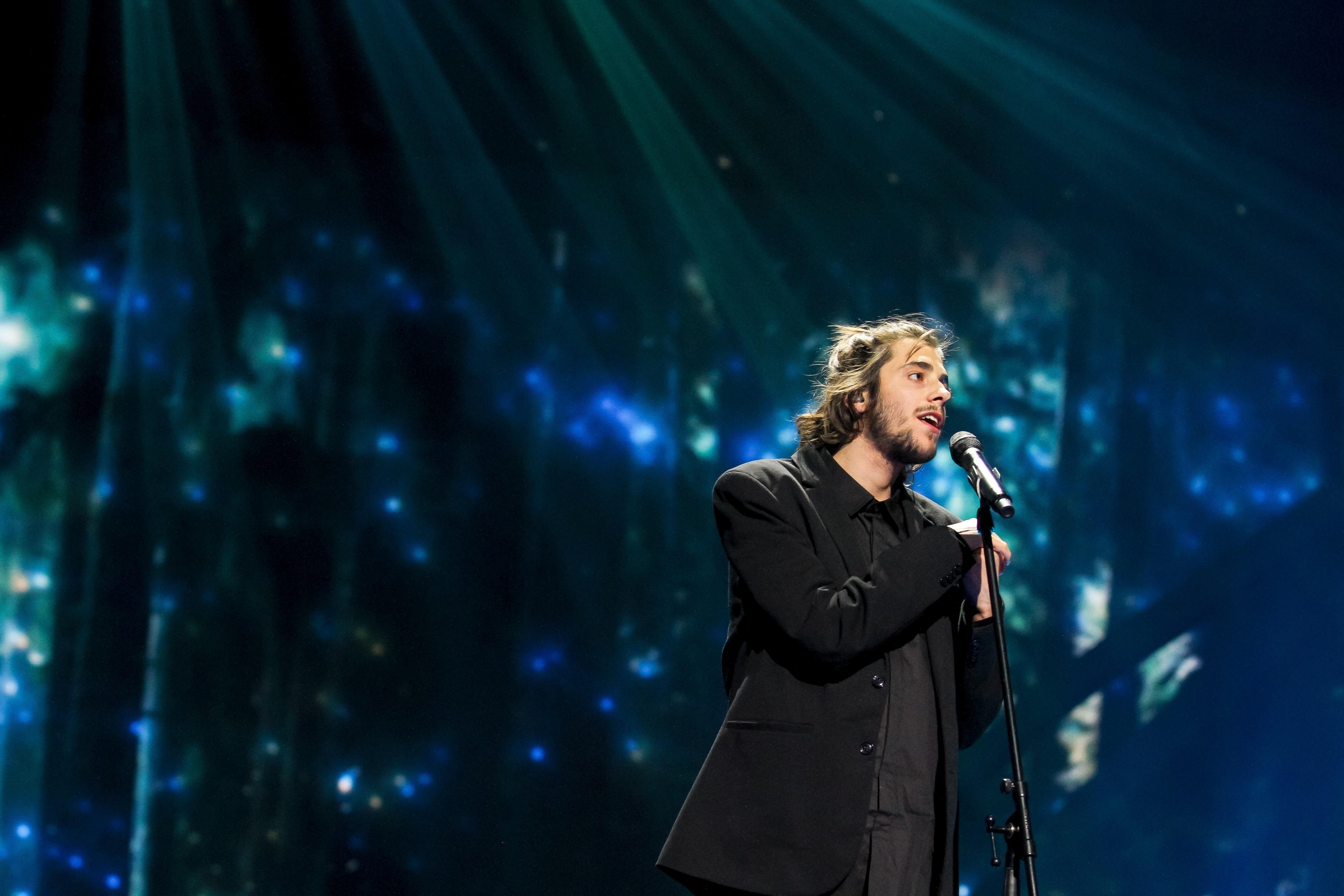 Concorrente sueco na Eurovisão critica discurso de Salvador Sobral