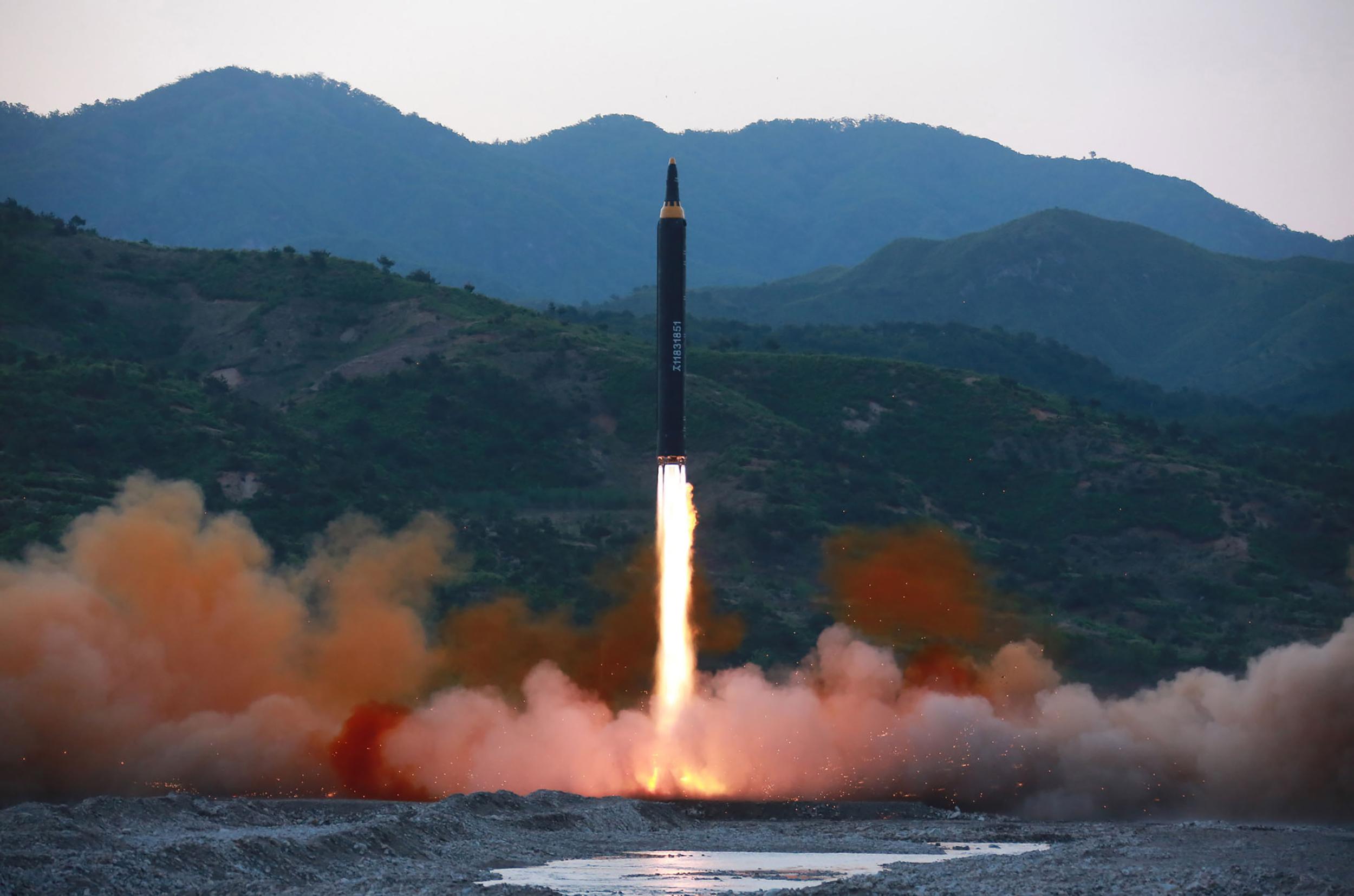 Coreia do Norte lança novo míssil, diz Seul