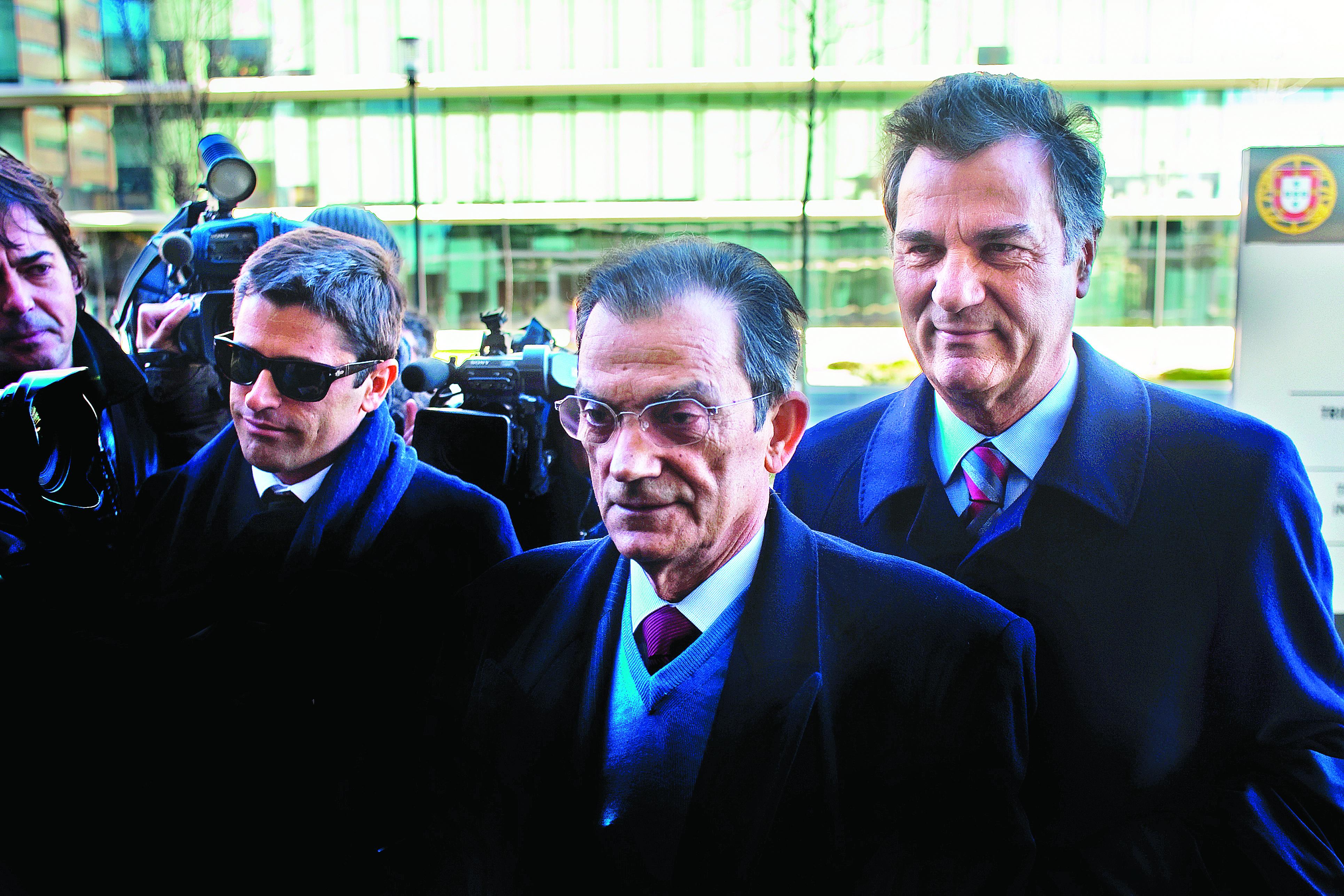 Oliveira Costa condenado a 14 anos de prisão — Caso BPN