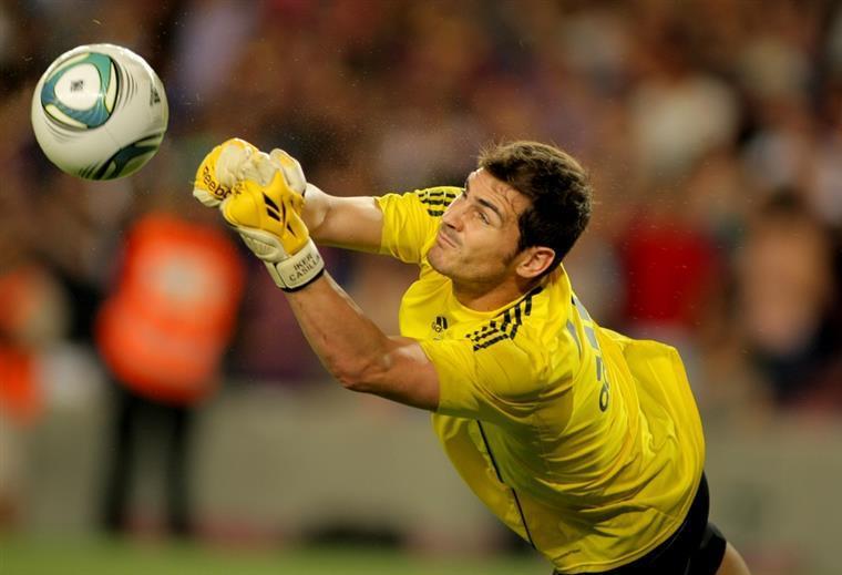 2e1b56057f FC Porto. Casillas assume estar a ponderar a saída