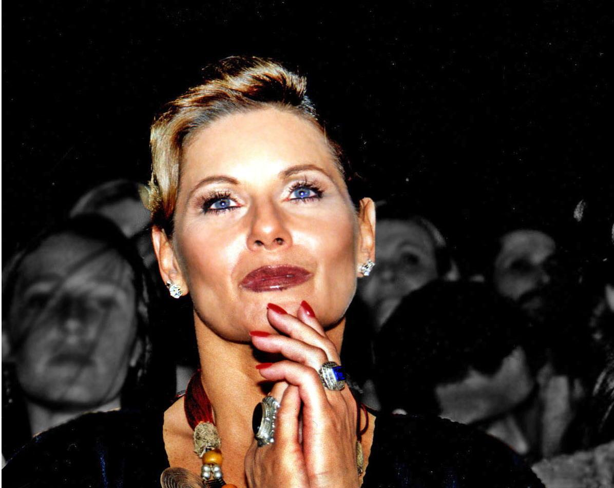 Vera Fischer é internada na UTI com pneumonia
