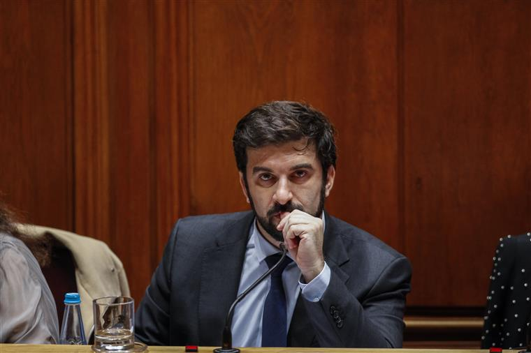 Exame de Português não vai ser anulado, garante ministro