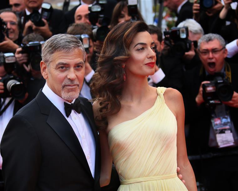 Nascem os gêmeos de Amal e George Clooney