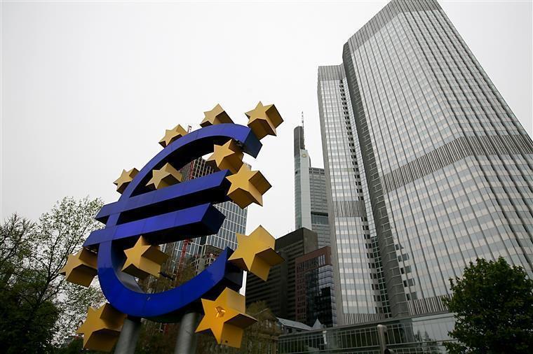 Banco Central Europeu melhora previsões para Zona Euro