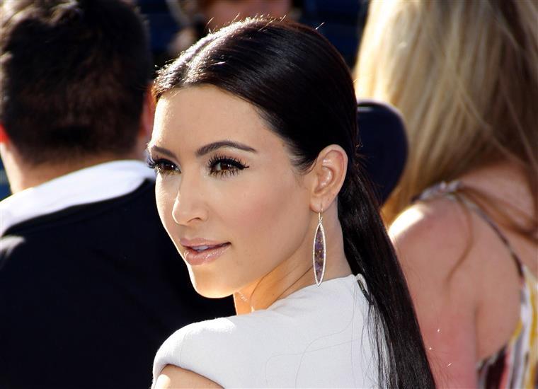 Kim Kardashian explica-se após ser acusada de consumir drogas