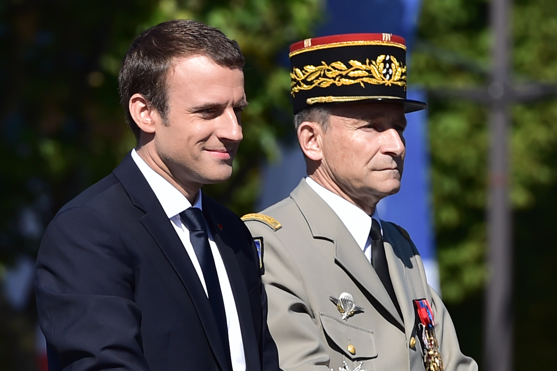 Chefe do Estado-Maior da França renuncia após atrito com Macron
