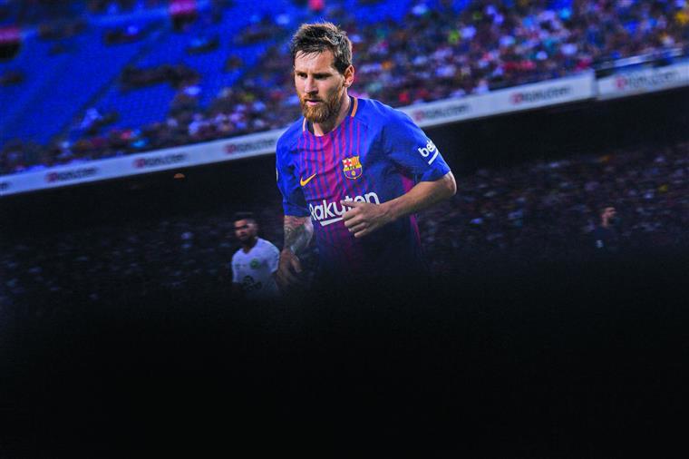 Barcelona de Messi tenta revalidar Supertaça... já sem Neymar