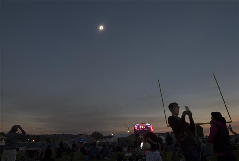 OMG. O eclipse que pôs a América no centro do mundo  [FOTOS]