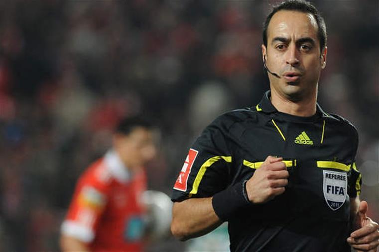 As palavras polémicas de Jorge Sousa no jogo do Sporting B — Vídeo