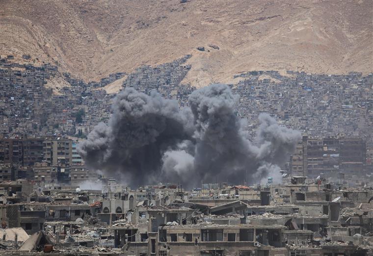 Síria. 29 civis mortos em bombardeamentos da coligação em Raqa