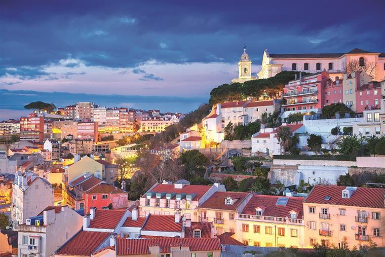 Lindsay Lohan a caminho de Portugal