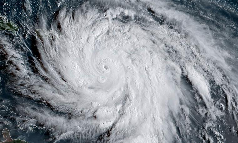 Furacão Maria deixa 15 mortos na Dominica