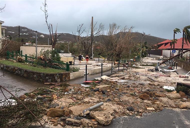 Furacão Irma chega a ilhas da Flórida