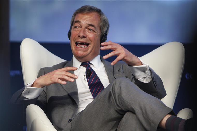 Farage quer segundo referendo para reforçar saída da UE