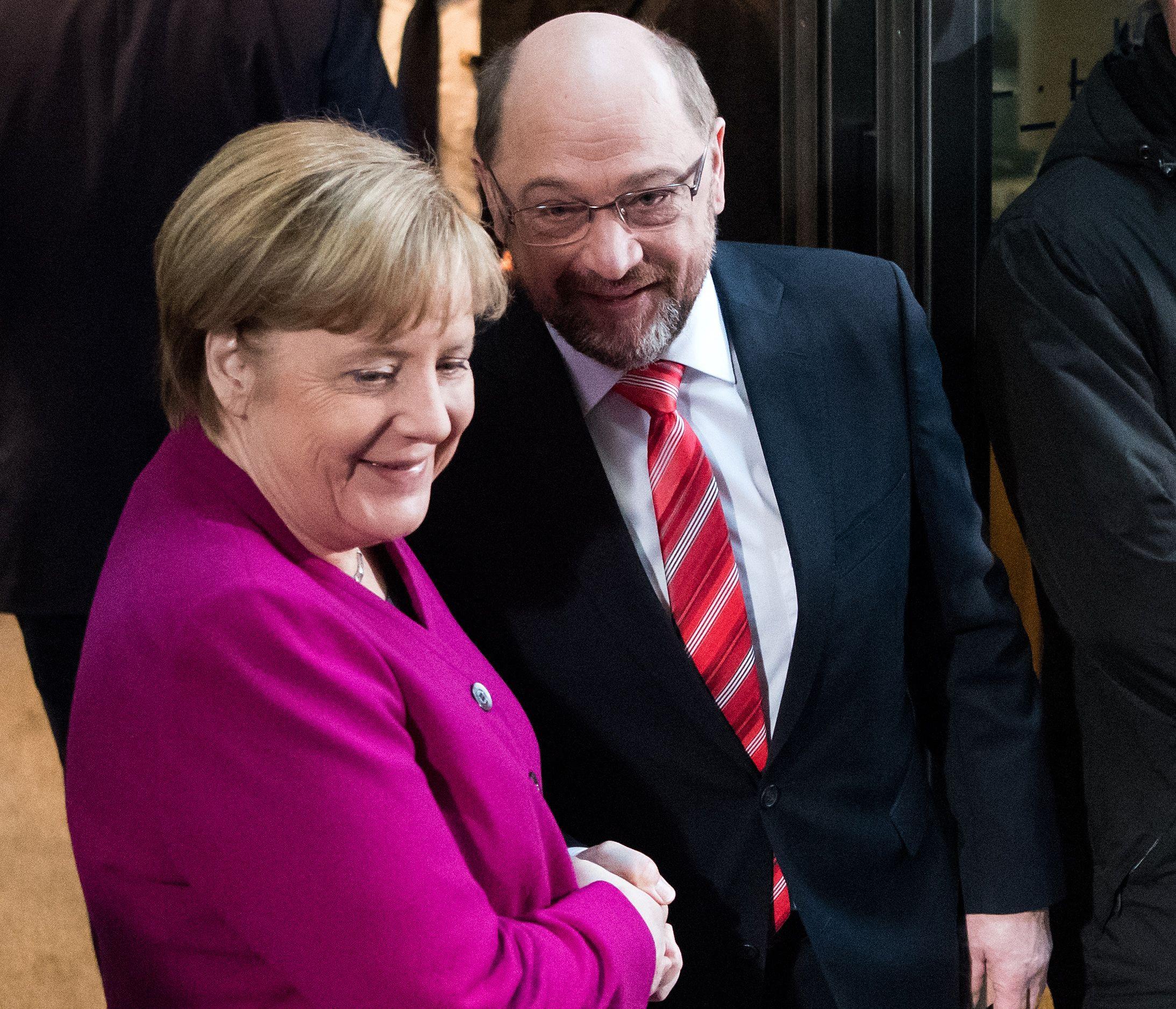 Merkel e SPD vão negociar novo governo