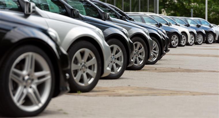 Mais de 15 milhões de carros vendidos na UE em 2017