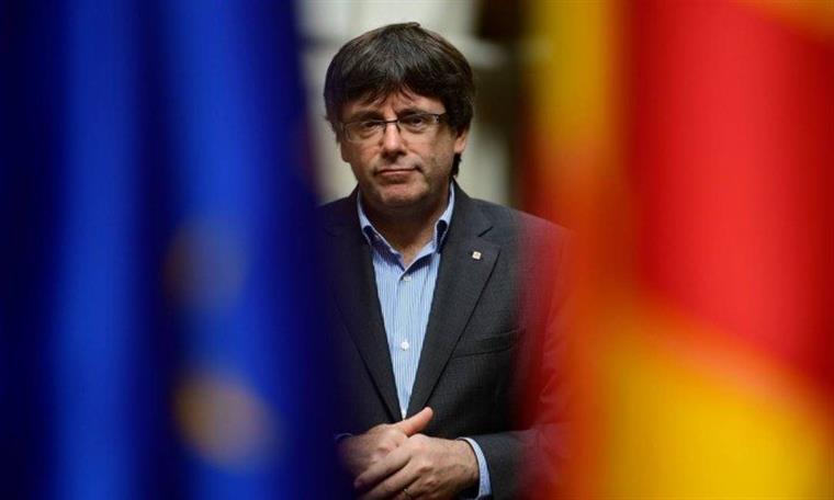 Presidente do Parlamento propõe que Puigdemont lidere o governo catalão