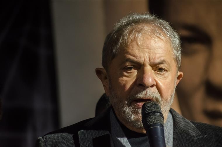 Lula reafirma vontade de se candidatar à Presidência e Dilma apoia — BRasil
