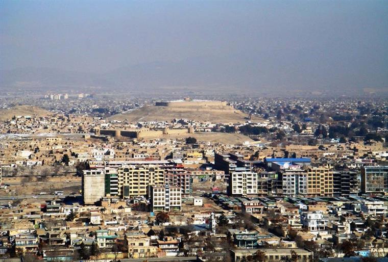 Pelo menos 11 mortos e 25 feridos num atentado-suicida em Cabul