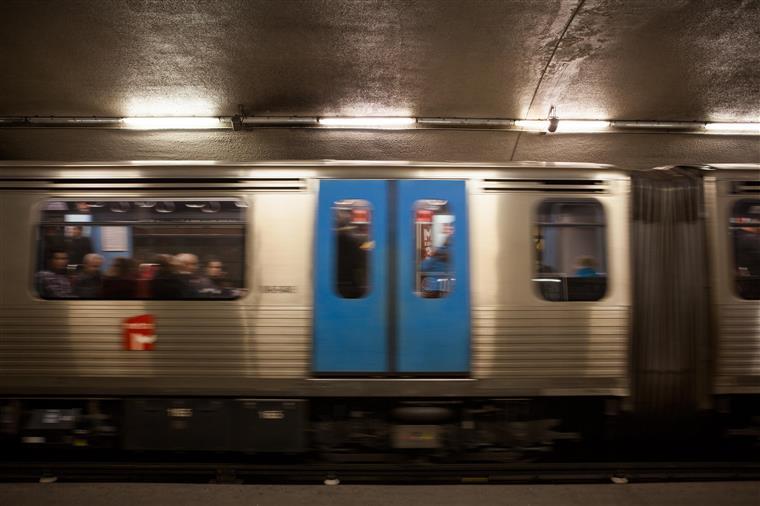 Metro de Lisboa: início de serviço de transporte deverá começar às 10h00