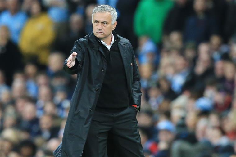 Mourinho fez o jogo 300 na Premier League