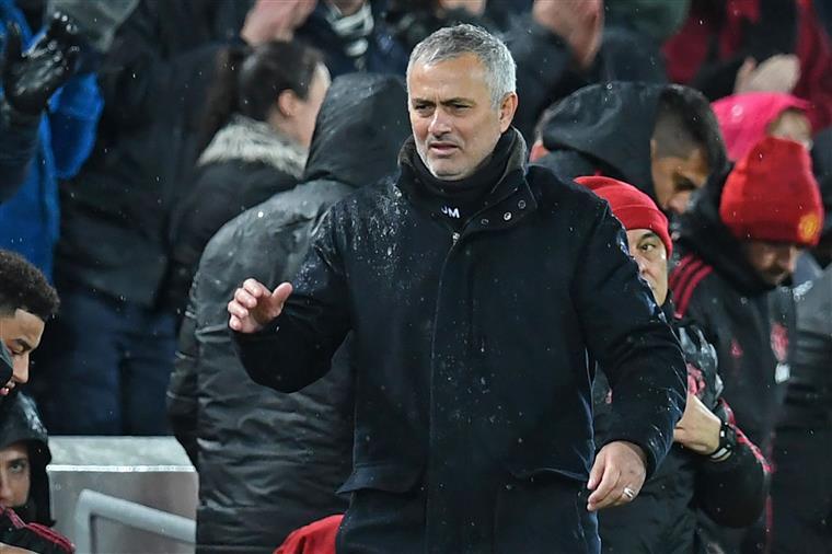 José Mourinho em Anfield