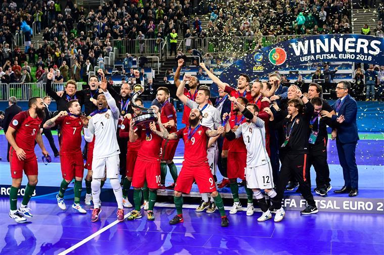 Portugal é campeão europeu de futsal. Veja as melhores imagens da festa af00990932c31