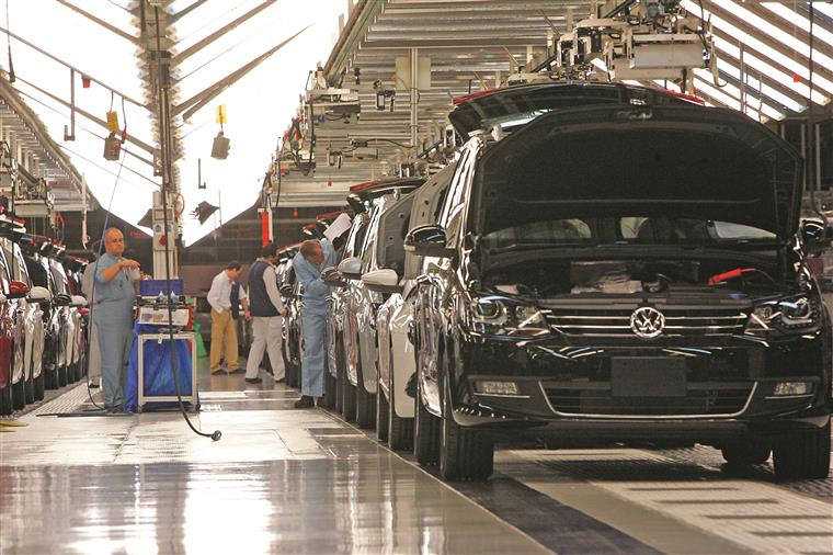 Comissão de trabalhadores e Autoeuropa chegam a pré-acordo para aumentos salariais