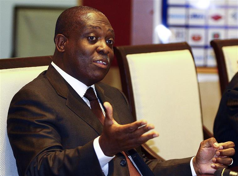 Advogados de Manuel Vicente estranham mandado de detenção — Angola