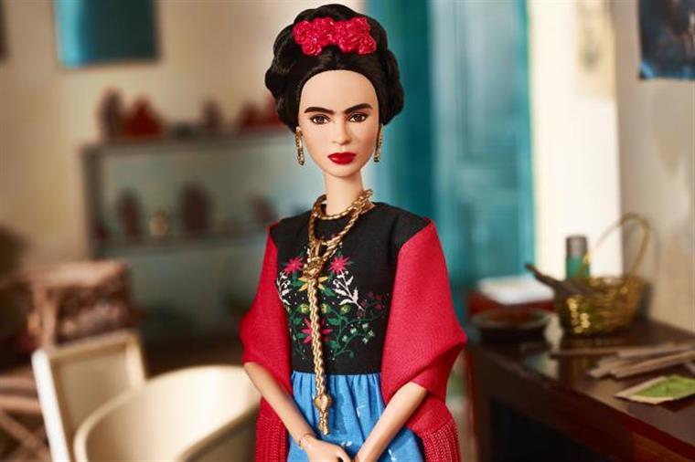 Venda de Barbie de Frida Kahlo proibida no México